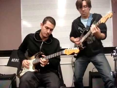 John Mayer & Tomo Fujita at Berklee (blues jam)
