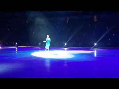 Elenor's disney on ice front row(6)
