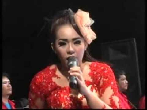 Ngobong Ati Devi Aldiva New Gita Bayu Live Padangan Menganti November 2015
