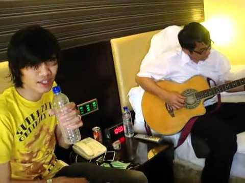 Buat Aku Tersenyum by Duta Sheila On 7 feat Dodyt