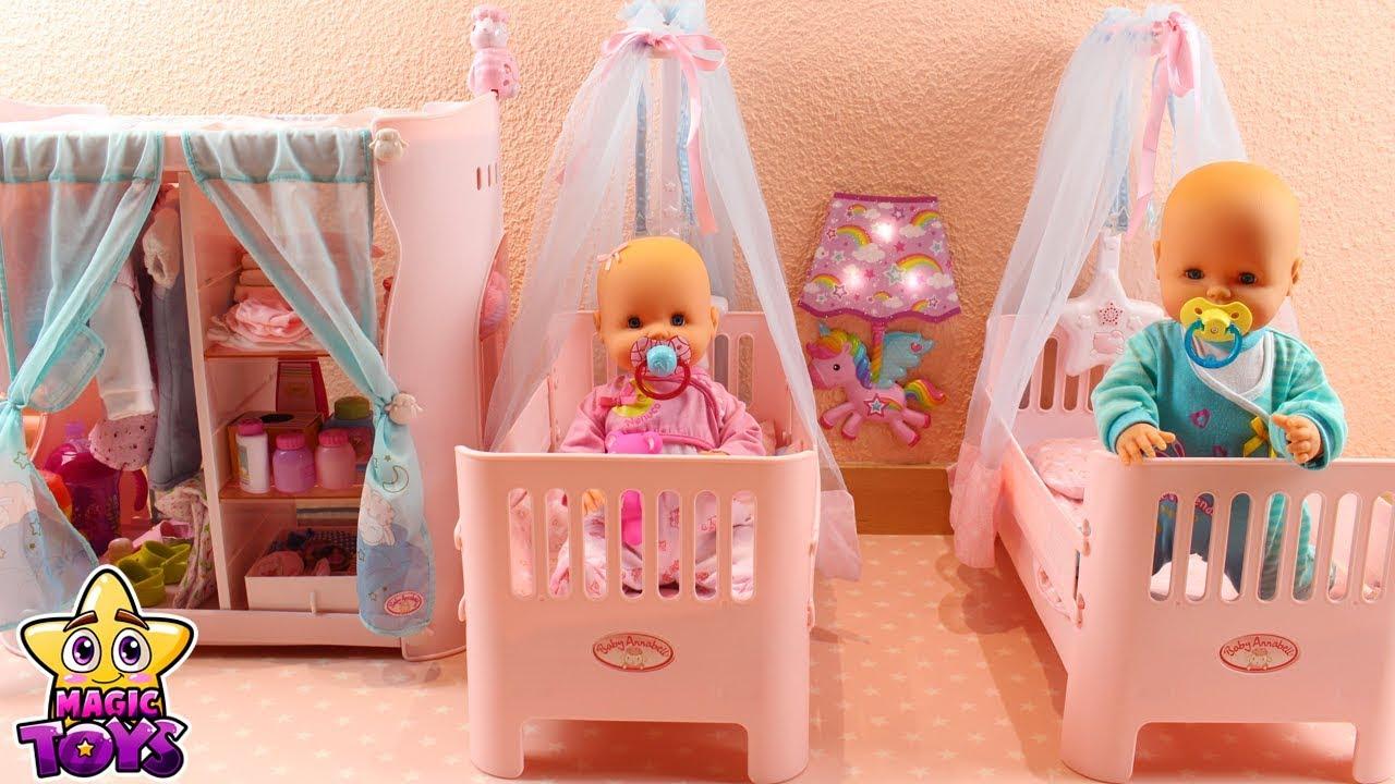 Nuevo cuarto beb s nenuco coloco la ropa y accesorios de for Accesorios habitacion bebe