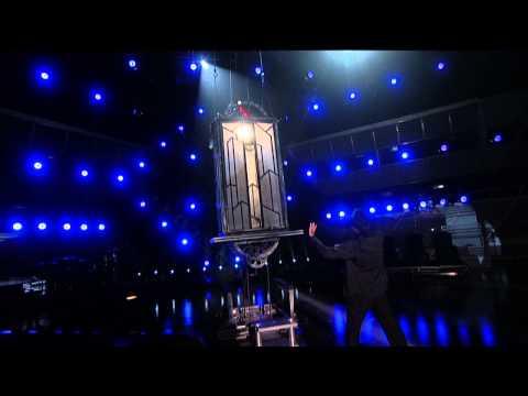Taylor Swift Appears via David Copperfield - 2009 ACM Awards