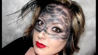 Halloween Makeup: Extreme Retro Lace Look | Makeup Geek