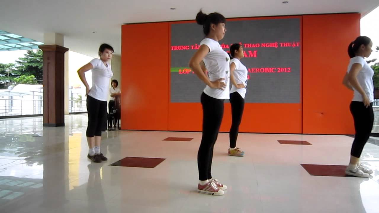 Lớp hướng dẫn viên aerobic 1/3 năm 2012 – trung tâm Đất Nam – nhóm 5