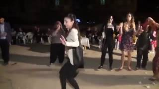 Download Video أفضل رقصة تركية l فتاة ترقص باحترافية Turkey Dance l MP3 3GP MP4