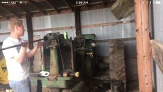 Taking the radiator off the John Deere 70 (part2)