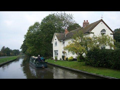 Penkridge Canal & Country Walk Scenery - Staffordshire Walks - Tour England Walking Holidays UK