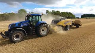 NH. T 8.390 with New Holland Bigbaler 1290 plus and New Holland CX8070. Nr Felding Maskinstation