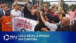 Ex-presidente Lula deixa a prisão