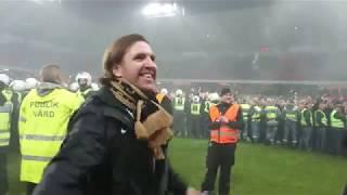Nisse Johansson firar SM-guldet (AIK svenska mästare 2018)