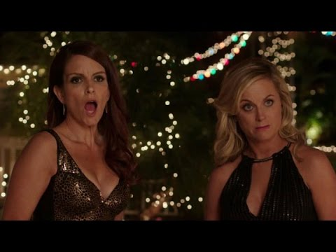 First Look at Tina Fey and Amy Poehler as 'Sisters'