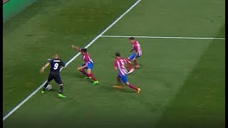 This Piece of Skill from Karim Benzema Instantly Took out Three Atletico Players