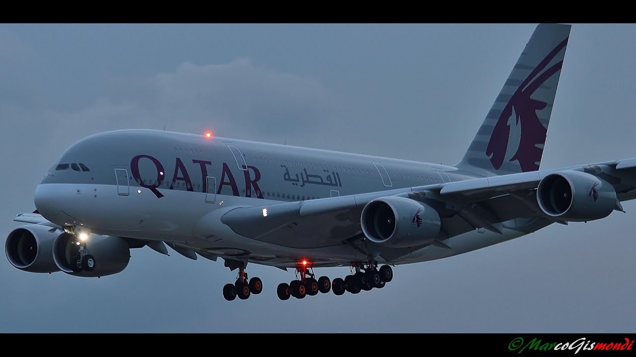 qatar airways airbus a380861 sunset landing at london