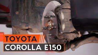 Kako zamenjati sprednji zavorni diski in zavorne ploščice na TOYOTA СOROLLA E150 [VODIČ AUTODOC]
