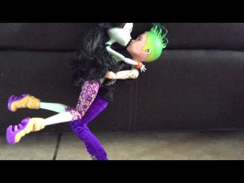 Monster High Love Story