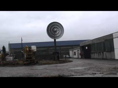 Windgiant Energy Turbine at 60 to 110 U-min,  front view.m2ts
