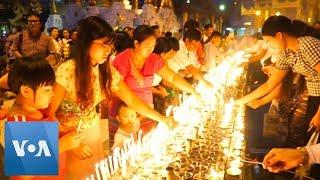Myanmar Buddhists Celebrate Thadingyut Festival of Lights