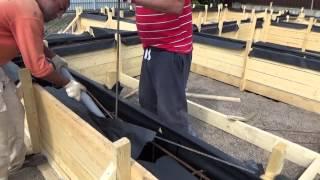 Фундамент для бани. Вязка арматуры и опускание её в опалубку. Часть 5.(Этот ролик обработан в Видеоредакторе YouTube (https://www.youtube.com/editor), 2015-09-14T07:46:59.000Z)