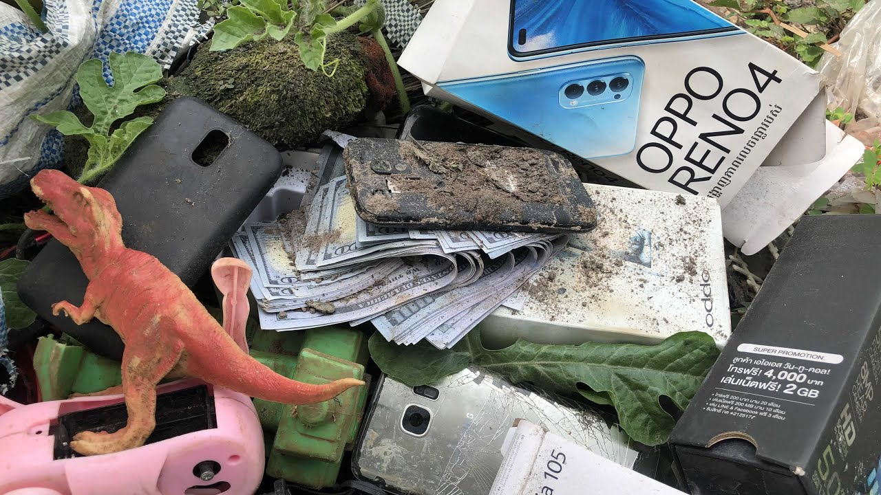 Found a lot of broken phones in the| rubbishRestoration abandoned destroyed phone