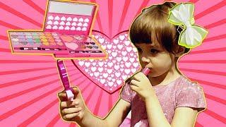 Milana Pretend play makeup toys!