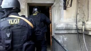 No Comment: Платона под усиленным конвоем доставляют в суд (07/04)