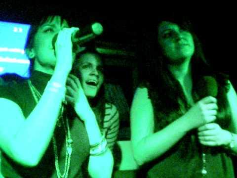 ysk y siboney cantando en kareoke