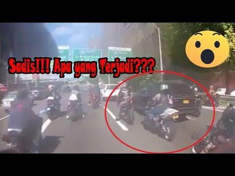 Sadis!!! Puluhan Geng Motor Mengejar Satu Mobil Tabrak Lari