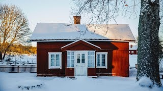 ▷ WHY ARE ALL THE HOUSES IN SWEDEN RED? (IT'S A HYPERBOL )