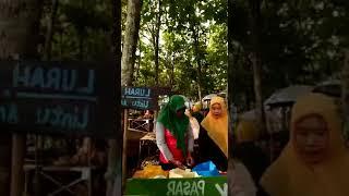 Pasar Unik, Pasar Domplang, Pandan Slogohimo