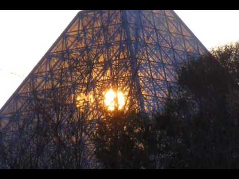 EPCOT CENTER - Screensaver ('Magic Journeys' Instrumental)