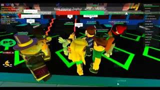Roblox | Trolling People At Club Boates With A Default Skin Girl!!!!!
