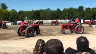 Farmall Dancing Tractors - 2011 - Fleetwood Country Cruize-in