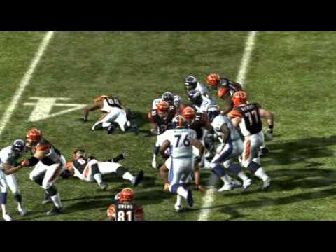 Madden NFL 2011 11 Highlight Cedric Benson 52 Yard TD