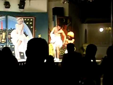 Tunisian Cabaret 'Entertainment' - Past the point of awful to become hilarious
