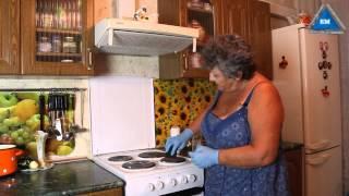 Как отмыть плиту на кухне от жира   народными средствами(Как отмыть плитку на кухне от жира и вымыть конфорки . Делаем в домашних условия народными средствами без..., 2014-08-13T19:23:02.000Z)