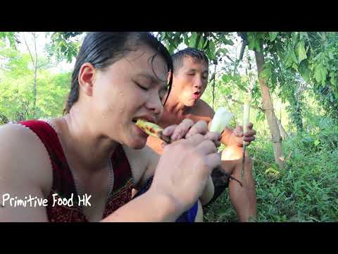 Primitive Food: Skills catch many fish in the river and Cooking fish - Eating delicious