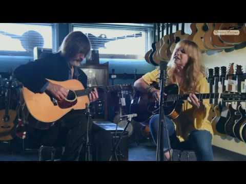 Larry Campbell & Teresa Williams - It Ain't Gonna Be A Good Night
