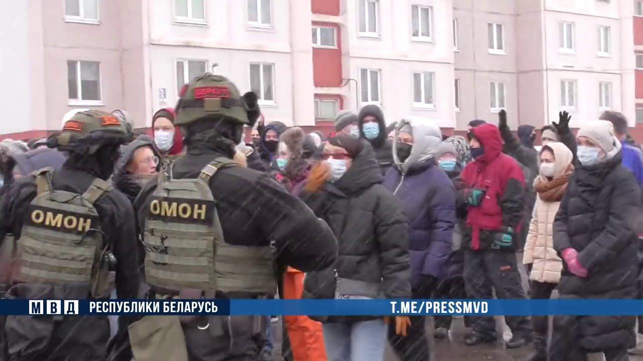 Блокировка движения и дети как защита - очередные протесты в Белоруссии
