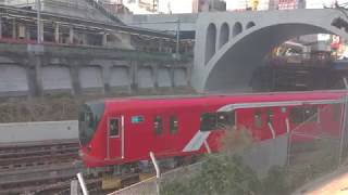 東京メトロ丸ノ内線新型2000系@御茶ノ水聖橋 Powered by Xperia XZ2 Premium SO-04K