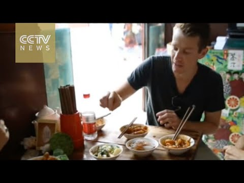 Canadian expat runs local food tours for foreigners in SW China's Chengdu