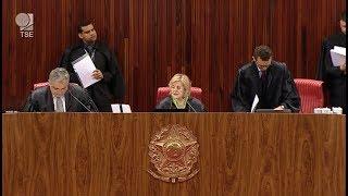 Arolde de Oliveira, eleito em 2018 pelo Rio de Janeiro, tenta reverter decisão do Tribunal Regional Eleitoral do Estado que determinou que o político devolva ...