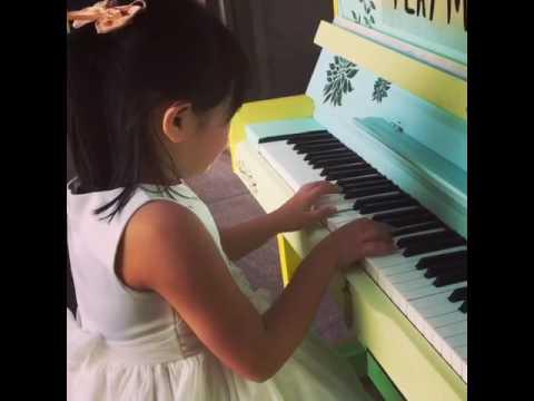 "Kiki with ""Play Me"" street piano free play Sentimental Waltz"