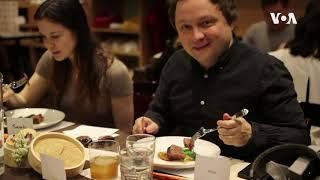 VR、美食,多感官体验下探讨亚裔身份