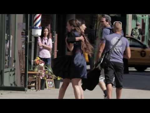 Cynthia Rowley Pranks Mayor Bloomberg, Celebs in Fashion Video