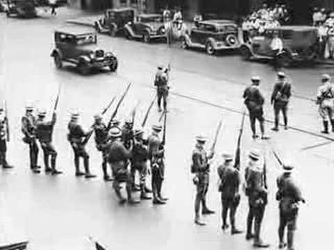 Class struggle in Minneapolis, 1934.☭ Klase borroka Minneapolisen, 1934.