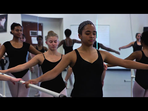 "Katia Garza teaches ""Ballet in the Classroom"""