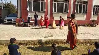 Bumro bumbro shamrang bumro...Kids song Gems Public School Anantnag