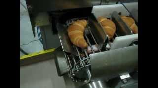 Оборудование для круассанов(Наполнитель круассанов предназначен для автоматизированного наполнения начинкой круассанов (пирожных,..., 2012-03-28T12:24:07.000Z)