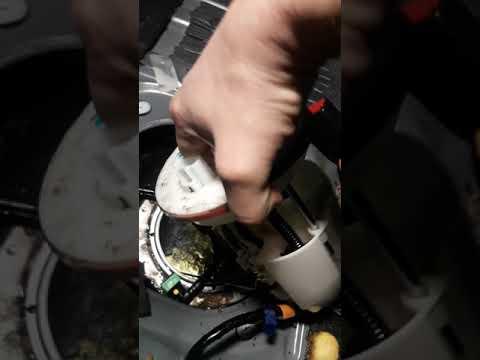 Замена топливного фильтра Mazda 6 не удалось ждём топливную сетку