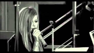 アヴリルラヴィーン-ティックトック Avril Lavigne - Tik Tok (Kesha Cover) Live